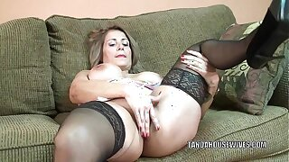 Of age battle-axe Sandie Marquez plays with her Latina pussy