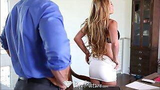 HD - PureMature MILF Corrina Blake shows off her new toy