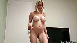 ov40-Sexy mature babe handjob