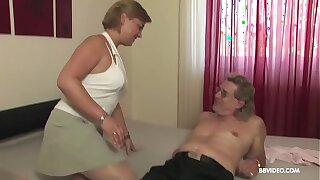 Amateur mature old Germans carry the not far from 69 added to fuck on camera