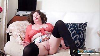 EuropeMaturE British Mature Trisha Solo Toying