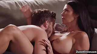 Hot and horny neighbor Lucas Frost likes this busylicious MILF Regan Foxxx and hooks connected with with her and gave her the best fuck of her life.