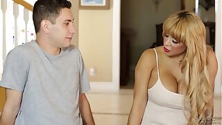Do you wanna fuck your Mommy? - Alyssa Lynn coupled with Brad Knight