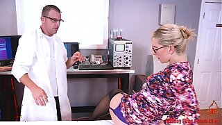 Dr Mom Gets DPed Hard by Fellow-citizen And Son (Modern Taboo Family)