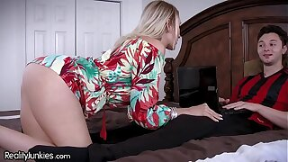 Best Friends Cougar Mammy is Starving for My Cock!