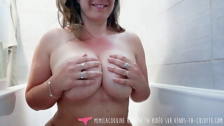 Vends-ta-culotte - Voyeur French Be in charge MILF takes a Bath