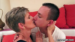 Lannie - Lusty Grandmas