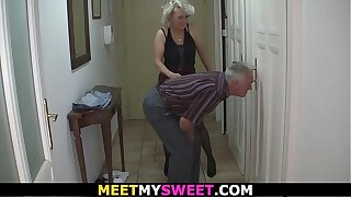 He caught them in family threesome banging