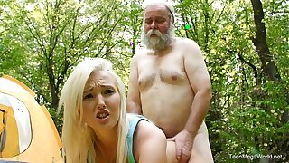 Old-n-Young.com - Lovita Fate - Mushroom hunter picks up light-complexioned pussy
