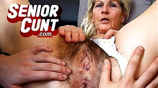 Old vagina spreading and dildo-fucking with chubby experienced woman Eva