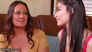Emily Willis Learns How To Squirt In A Lesbian Threesome