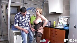 Mature german whore gets boob fucked