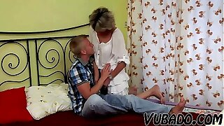 YOUNG BOY FUCKS MATURE Little one IN BEDROOM !!